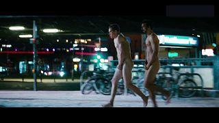 100 Things naked scene