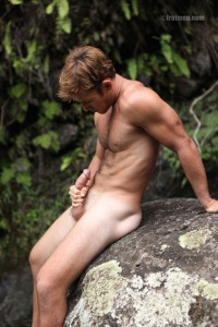 Fratmen model Collin naked outdoors photosession