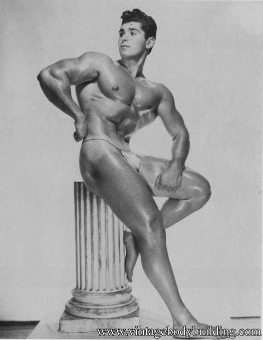 Phote erotica male nude posing