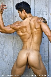 Asian muscle guy nude