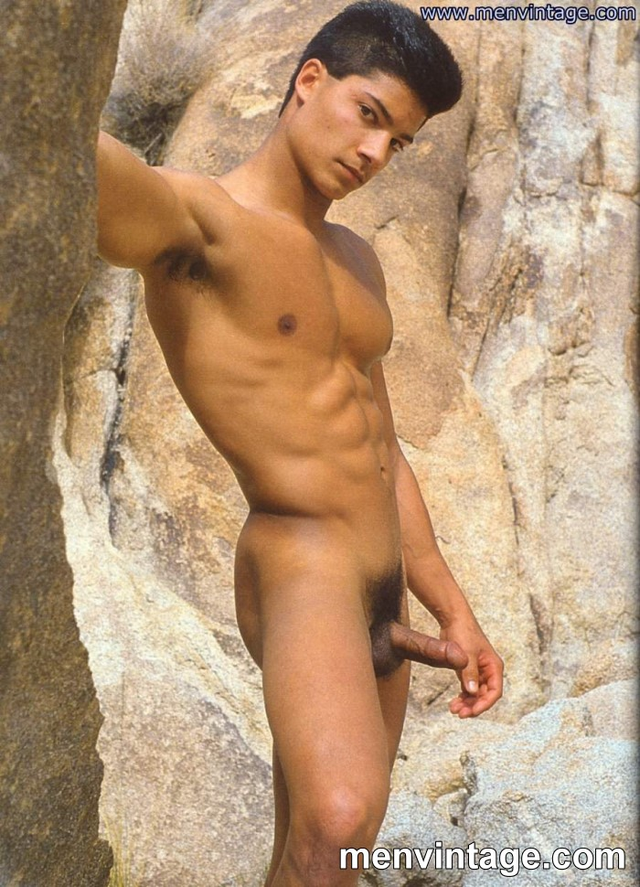 Latin muscle guy nude