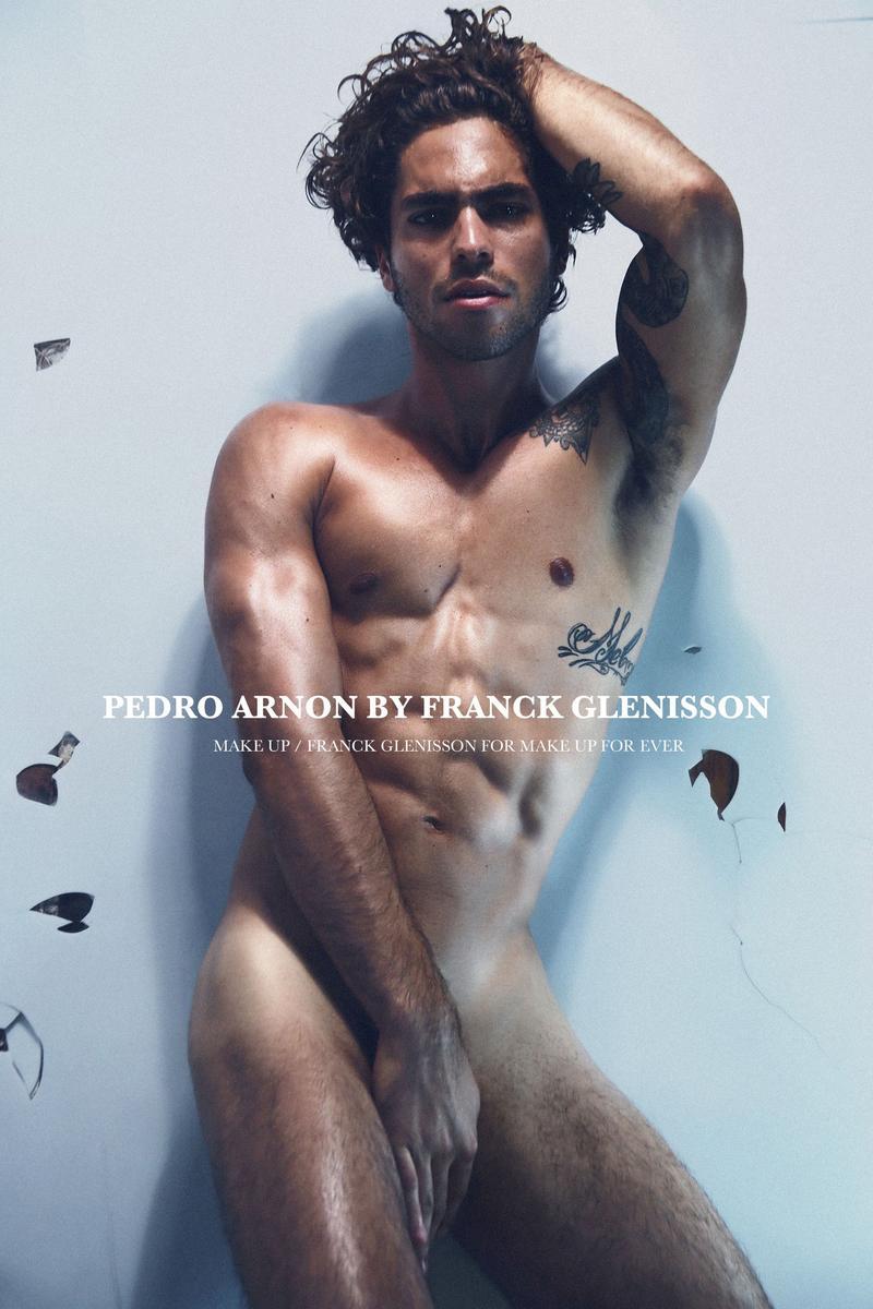 naked Pedro Arnon