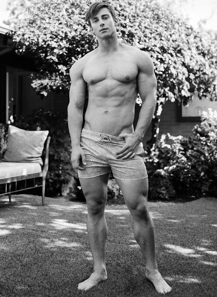 Tyson Dayley naked