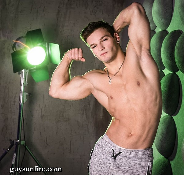 muscle boy cam